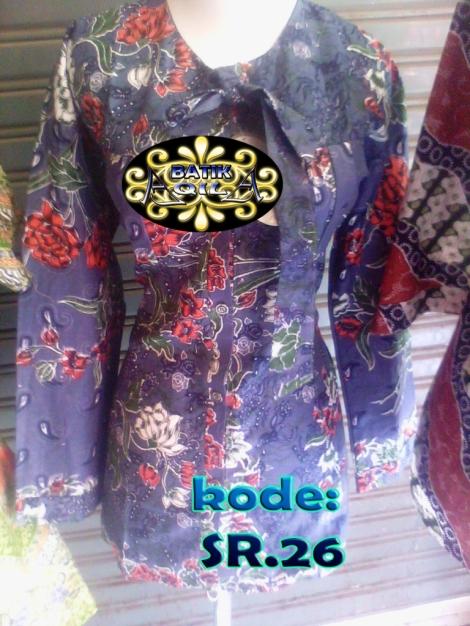 Blouse Batik motif bunga , KODE: SR. 26, Batik Elegan dan penuh gaya. dengan warna Hijau Toska. perpaduan desain Batik tradisional Indonesia dengan desain Modern , dengan kerah lebar nan menawan dilengkapi pita leher cantik dan disertai rimple pada kancing baju agar menambah nilai artistiknya. harga Rp. 90.000/pasang, Rp. 1.750.000/kodi, informasi hubungi : 085742125550 (IM3),https://kaosbatikpekalongan.wordpress.com.