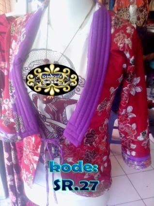 Bolero batik adalah semacam blouse batik yang berbentuk seperti rompi, bisa dipakai dalam dua tampilan luar dan dalam (Bolak-Balik), Kain : Katun Motif : Parang/ Seno, bunga, pringsewu, Pilihan Warna : biru-ungu, hijau-merah, dll SPECIAL PRICE!!! 60.000/ Pcs, Anda Berminat? Silahkan Hubungi; 085742125550 (INDOSAT), www.kaosbatikpekalongan.wordpress.com