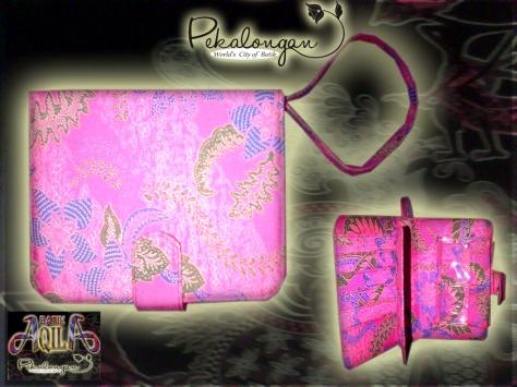 HANDBAG BATIK WANITA CANTIK ukuran 25x20x5 (cm) Accessoris dan Souvenir Batik, Harga Murah dan Pas di Kantong anda, DAPAT DIGUNAKAN SEBAGAI TAS SHOPPING, BERSANTAI DAN AMAN UNTUK MENYIMPAN GADGET SERTA BARANG-BARANG ANDA. SPECIAL PRICE!!!: Rp. 50.000/ pcs, http://www.batikaqila.blogspot.com/ http://www.kaosbatikpekalongan.wordpress.com/ DAPATKAN DISKON LANGSUNG DENGAN MENGHUBUNGI KAMI DI: 085742125550 (indosat) 082329133113 (Telkomsel)