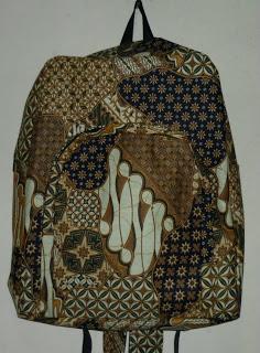 Accessoris dan Souvenir Batik, RANSEL BATIK Harga Murah dan Pas di Kantong anda, SPECIAL PRICE!!!: MULAI Rp. 60.000/ pcs,minimal order 3 pcs http://www.kaosbatikpekalongan.wordpress.com/ http://www.batikaqila.blogspot.com/ Pemesana Hubungi : 085742125550 (indosat) 082329133113 (Telkomsel) ukuran 37,38,39,40,41
