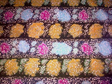 Kain Batik Tulis Kombinasi motif BUNGA MAWAR REMUKAN, bahan Katun yang adem dipakai, dibuat dengan menggunakan teknik tradisional. Batik Tulis dikombinasikan dengan batik Cap nan cantik dan Khas. www.kaosbatikpekalongan.wordpress.com, BATIK AQILA, pemesanan hubungi: 085742125550 (INDOSAT), 082221532131 (SIMPATI)